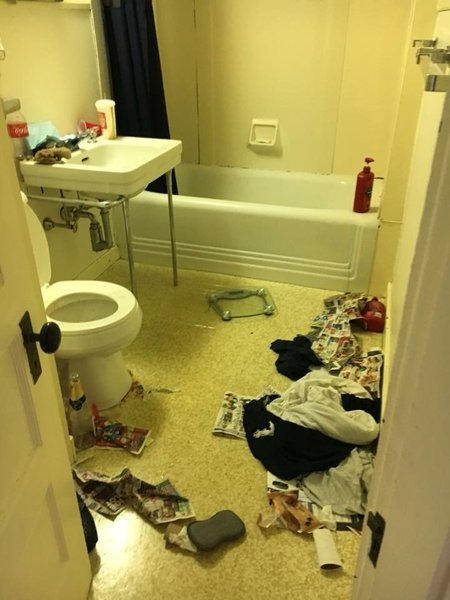 Karens Kleaning Carecom Lewiston ME House Cleaning Service - Bathroom cleaning services near me