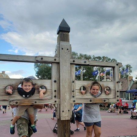 Child Care Job in Shelbyville, KY 40065 - Babysitter Needed For 2 Children In Shelbyville. - Care.com