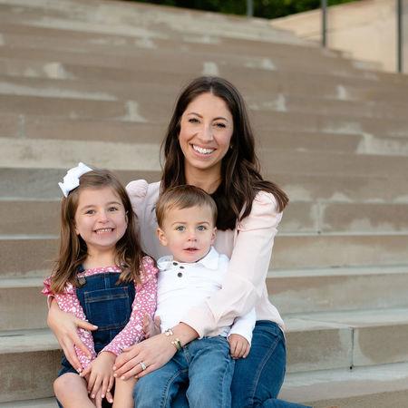 Child Care Job in Leawood, KS 66206 - Part-time Nanny Needed For 1 Child In Leawood, KS - Care.com