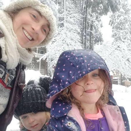 Child Care Job in Crestline, CA 92325 - Outdoorsy Nanny Needed For 3 Children In Crestline - Care.com